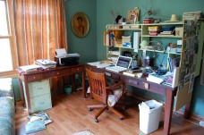 Keeping Your Writing Workspace Clutter-Free